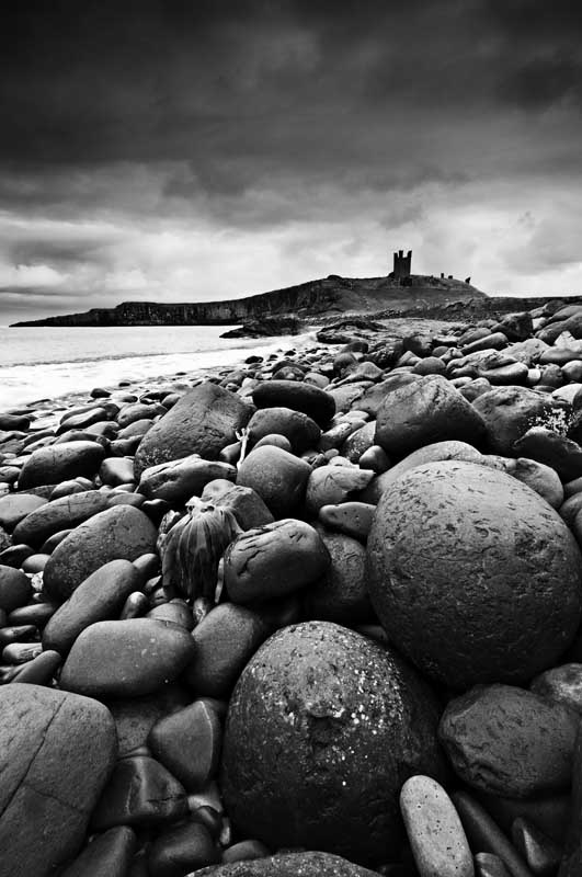 Dunstanburgh castle0016b&w