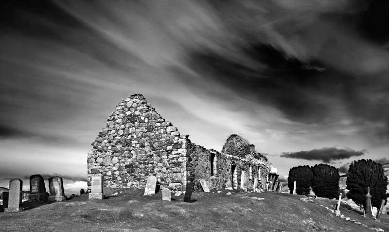Ruined church0051b&w