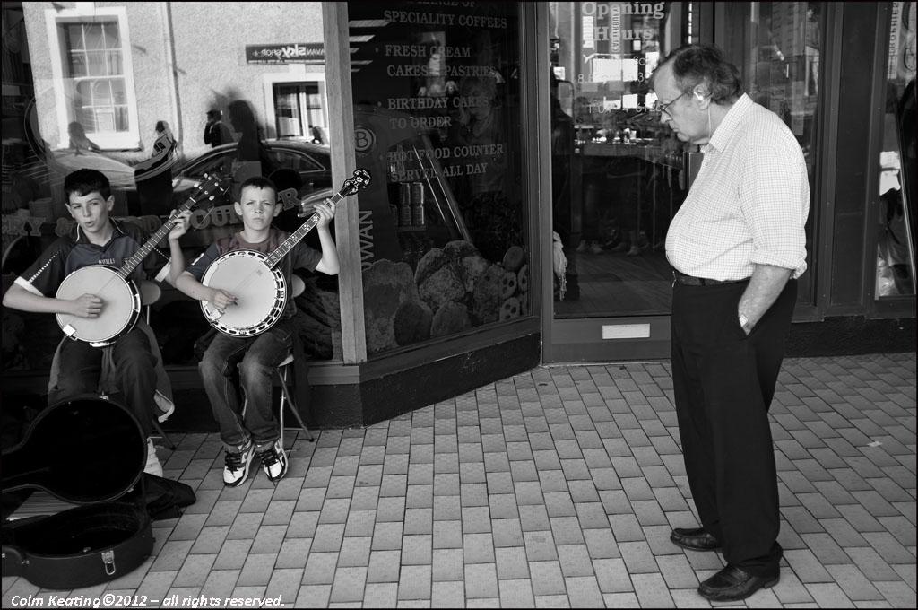 Duelling Banjos...under inspection.