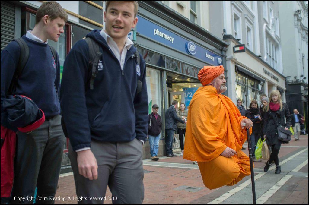 Levitation in Grafton Street?