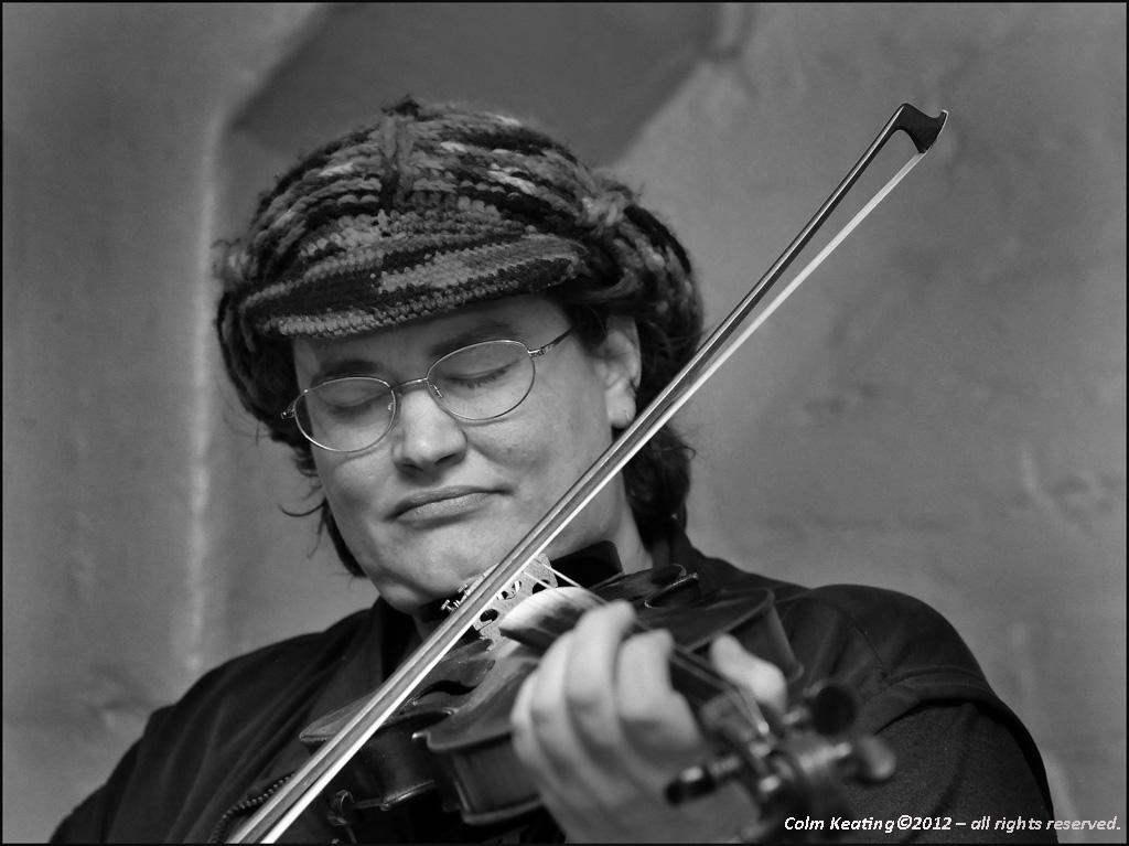 Fiddle Player, Nóra Geraghty - at the Clé Club.