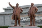 Leaders' statutes in Kim Il Sung Square