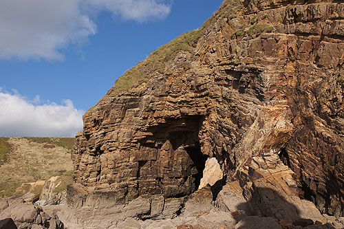 Rock - Greywacke / Natural Arch