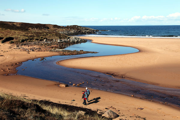 01D-1145 Walkers on the Beach at Red Point Wester Ross West Coast of Scotland UK