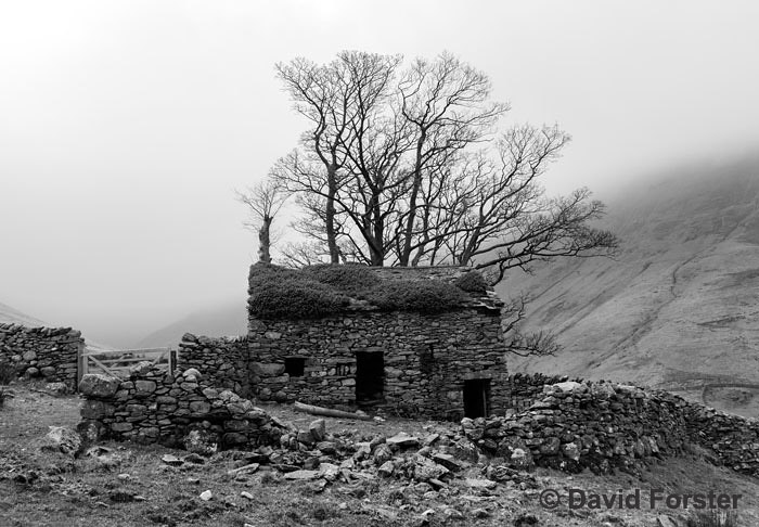 01M-8387BW Haunted Lake District Cumbria UK