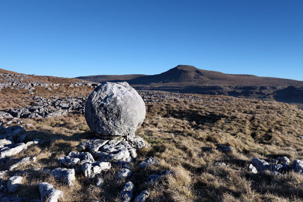 03D-0472 Erratic Boulder and the Mountain of Ingleborough From Twistleton Scars Yorkshire Dales UK