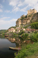 06-7580 The Fortifications at Beyenac-et-Cazenac Above the Dordogne River, France