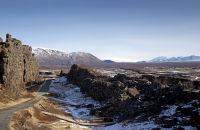 (4) The rift valley, where the American and Eurasian tectonic plates are pulling apart at a rate of a few centimetres per year.