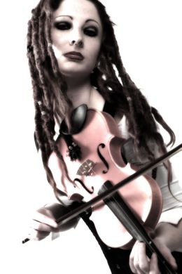 Odal plays the violin!