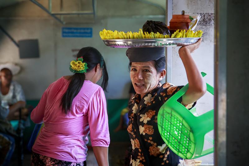 Train Yangon 254A1117 E