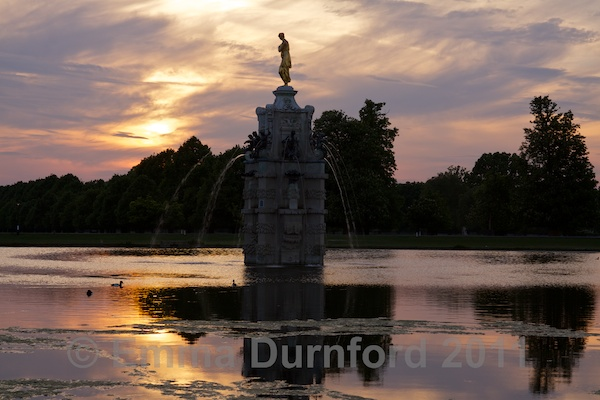 Sunset over the 'Diana Fountain'