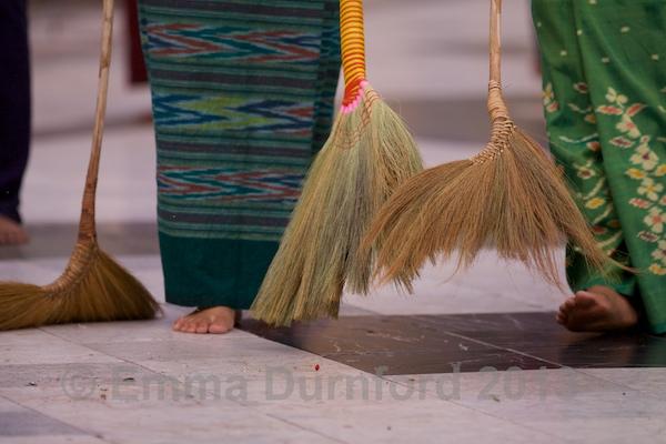 Sweeping the Pagoda
