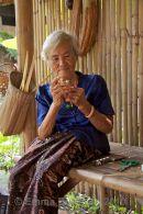 'Phuang Malai' making