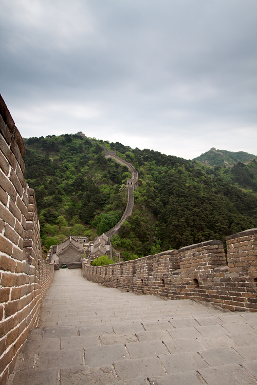 A section of the famous Great Wall. Canon 50D, Canon EF-S 10-22mm f/3.5-4.5 USM, 1/125, f/7.1, iso 100, Cokin Gradual Neutral Grey filter, handheld.