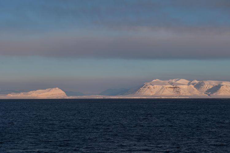 Sveabreen, Bertilryggen, Ekmanfjorden.
