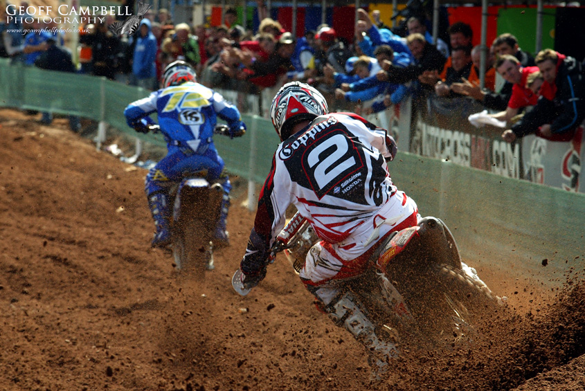 Josh Coppins chases Stefan Everts to the line
