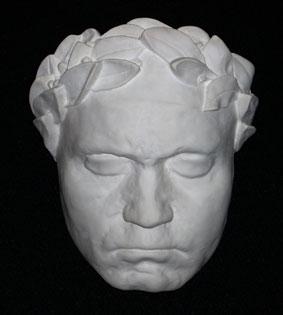M025  Beethoven con corona d'alloro
