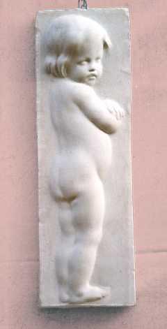 R110  Bimbo nudo