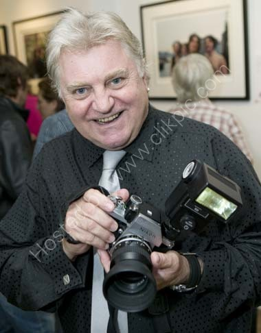 529X0851Beatles photographer Tom Murray with the camera he used to photograph The Beatles