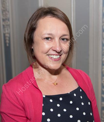Author Lucy Diamond