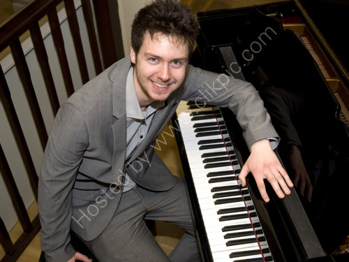Jazz pianist Joe