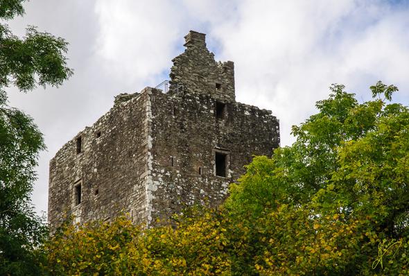 Cardoness Castle.