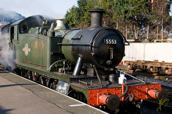 Locomotive 5553.