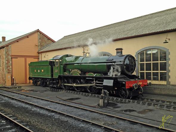 Locomotive 6959 Raveningham Hall.