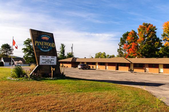 Pinewood Inn, Barry's Bay.