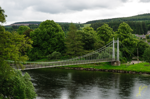 Victoria Footbridge and River Spey.