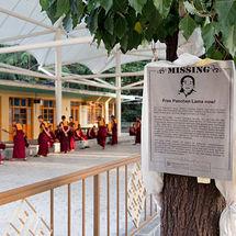 Mass debating monks