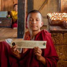 Prayer holding novice