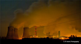 Didcot Power Station at night