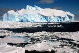 MH0020 Blue Iceberg