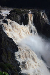 MH0052 Barron Falls in flood RS