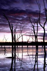 MH0074 Warruma Swamp Sunrise RS