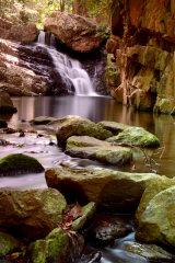 MH0086 Stoney Creek Waterfall 2