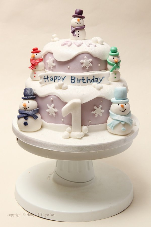 Holly's Cupcakes SW18: Winter themed birthday cake from £50