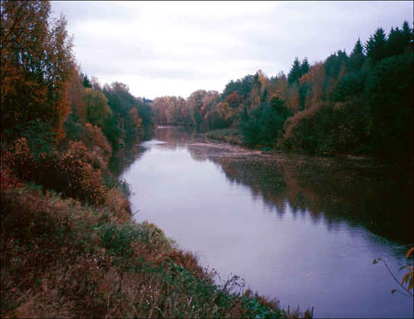 Vantaa river in autumn
