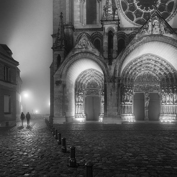 Laon at Night