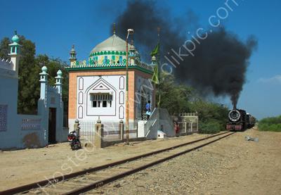 Approaching Mirpur Khas.