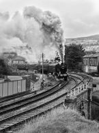 41924 departs from Keighley.