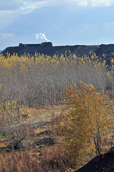 Another view of the spoil dump near Gangzhuchang.