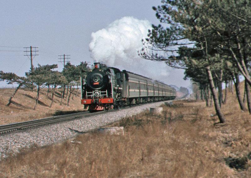 SL on passenger outside Changchun on the Jilin line