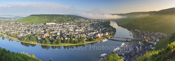 River Moselle at dawn, Bernkastel-Kues