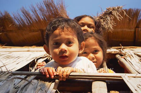 Peering Kids, Labuanbajo, Flores, Indonesia