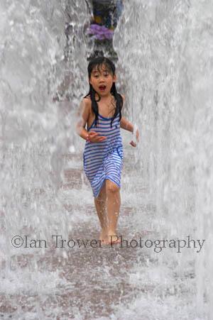 Girl In Fountain, Seoul