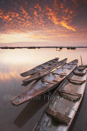 Boats At Dawn, Don Khong