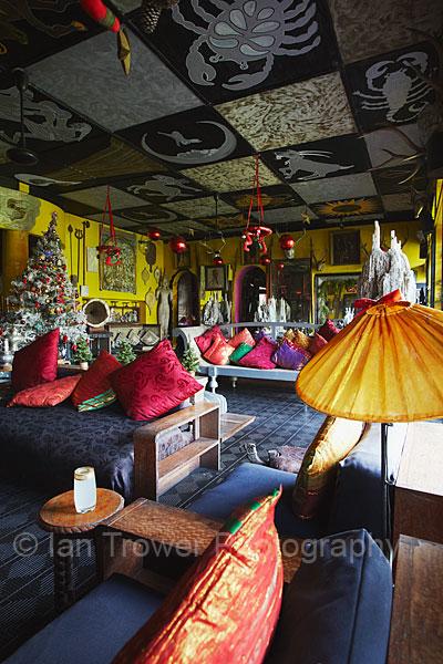 Eccentric lounge in Helga's Folly, Kandy