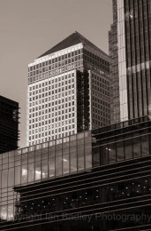 Canary Wharf buildings in black and white